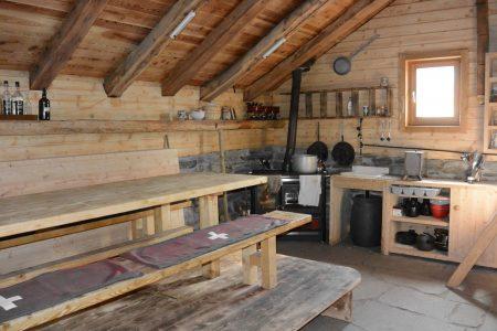 Moos-Alphütte Küche